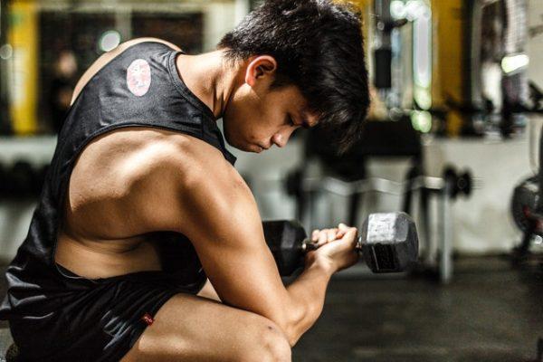 Das Schwierigkeit via intensiven Trainingseinheiten zur Erfüllung seitens chronischem Hektik